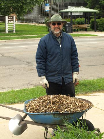 Jerry Herst delivers the mulch by Dick Block