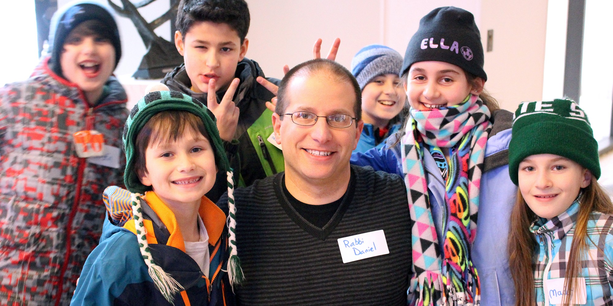 "<span class=""slider_title"">                                     Rabbi Daniel with SHORESH Students                                </span>"