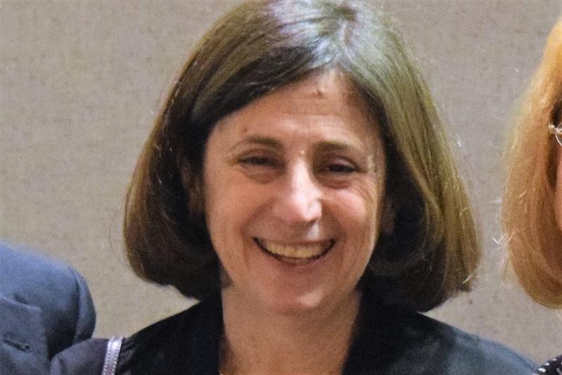 Leslie Novack headshot