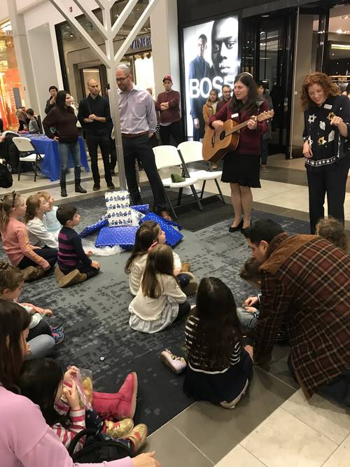"<span class=""slider_description"">Chanukah at the Westchester Mall with Mazel Tots and our Clergy</span>"