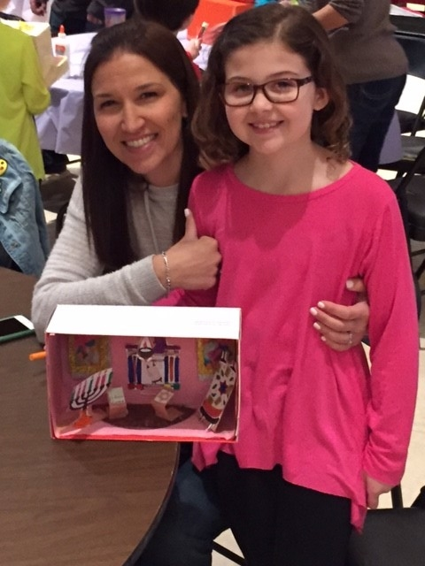 """<span class=""""slider_description"""">2nd graders and their parents enjoyed learning about and recreating the Sanctuary during their Shoebox Sanctuary program</span>"""