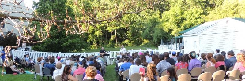 Outdoor Shabbat service at B'nai Tzedek Synagogue in Potomac Maryland