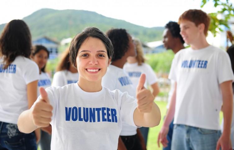 Teen volunteer 3