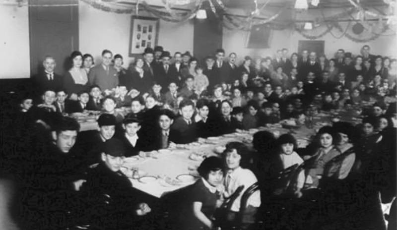 "<a href=""https://hollandparksynagogue.shulcloud.com/ourhistory""