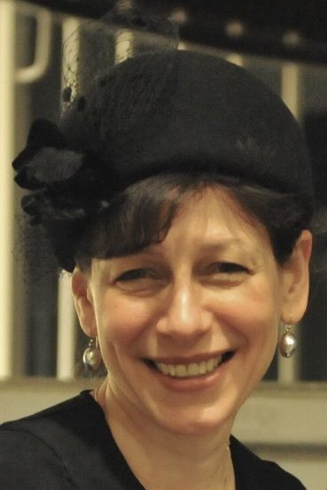 Rabbi Tina Grimberg headshot