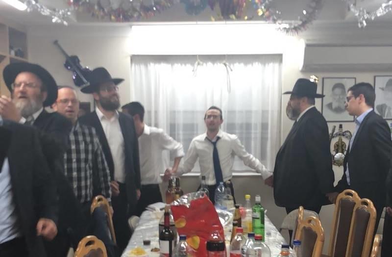 "<span class=""slider_title"">                                     Sukkos 5779                                </span>                                                                                                                                                                                       <span class=""slider_description"">Simchas Beis Ha'Shoevah at Rabbi M Davis's Home</span>"