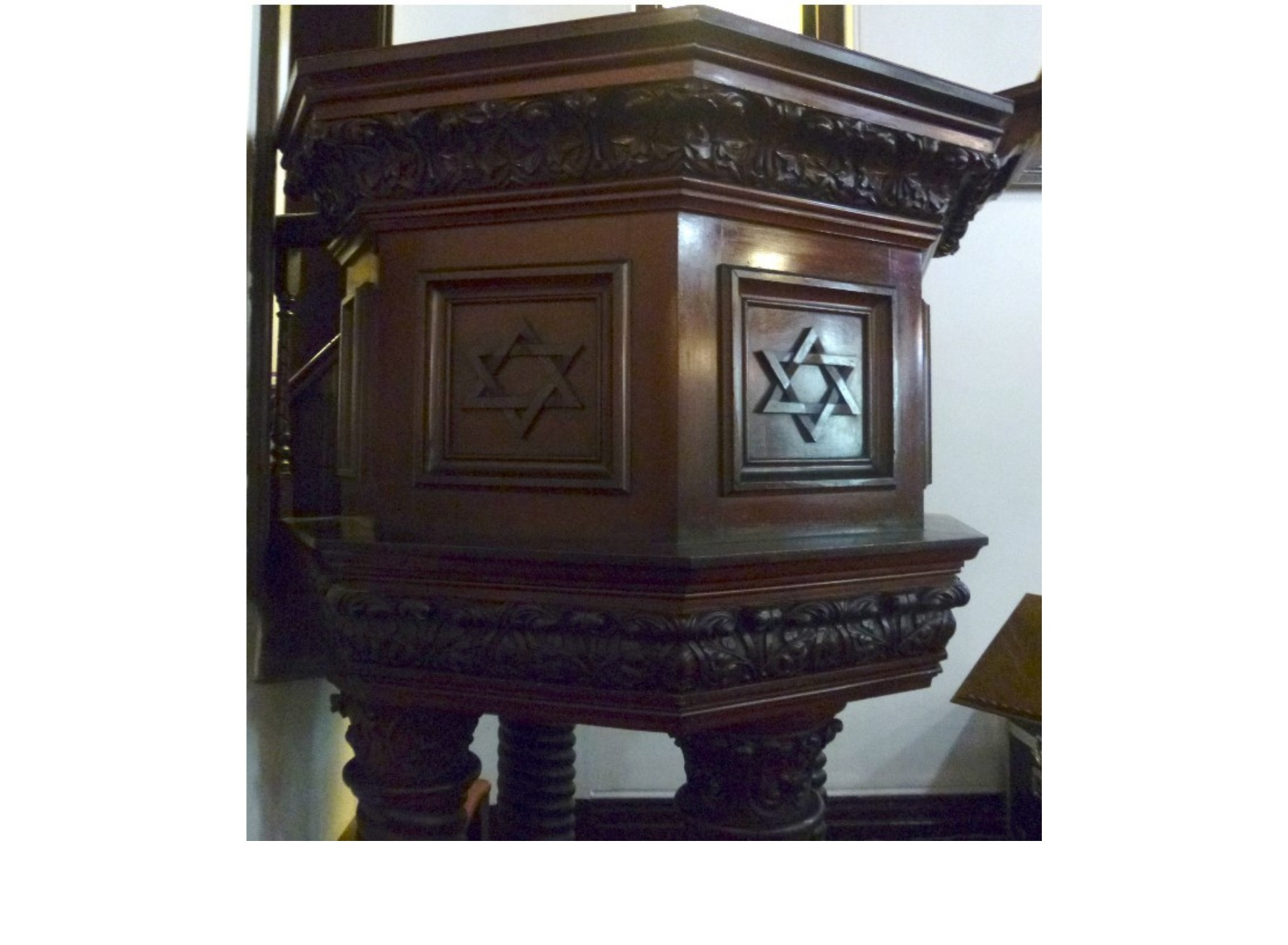 "<span class=""slider_description"">2 of 7. The church pulpit could have its origin in the York Street Synagogue, 1844-1878.</span>"