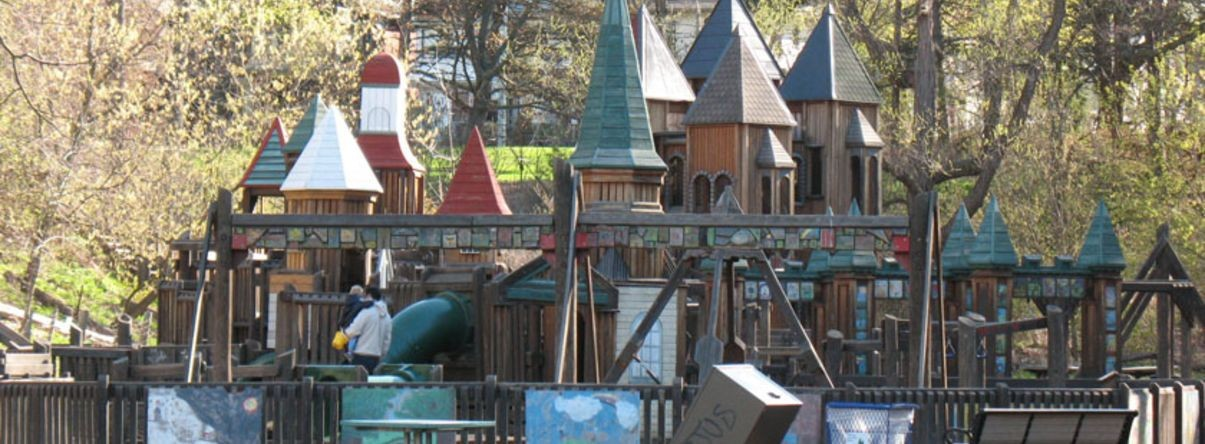 "<a href=""http://www.highparktoronto.com/playground.php""