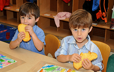 "<a href=""https://child-care-preschool.brighthorizons.com/NY/RoslynHeights/templesinai""