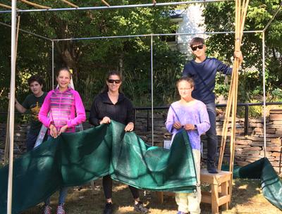 Building the sukkah at Beth Jacob!
