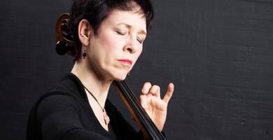 Diane Chaplin plays the cello.